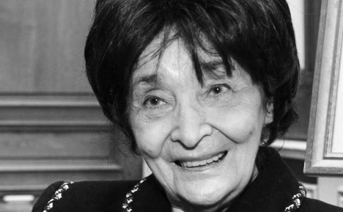 """(FILES) A picture taken 27 October 2003 shows Hungarian writer Magda Szabo posing in Paris after being awarded the Prix Femina for her book """"The Door"""" (La Porte). Magda Szabo, one of Hungary's most famous authors, died in the eastern Hungarian city of Debrecen on Monday 19 November 2007, Hungarian media reported 20 November. AFP PHOTO FILES / ERIC FEFERBERG (Photo credit should read ERIC FEFERBERG/AFP/Getty Images)"""