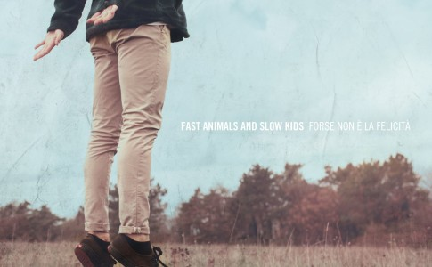 La copertina di Forse non è la felicità, l'ultimo album dei Fast animals and Slow kids