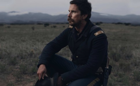 Christian Bale in Hostiles, un film di Scott Cooper