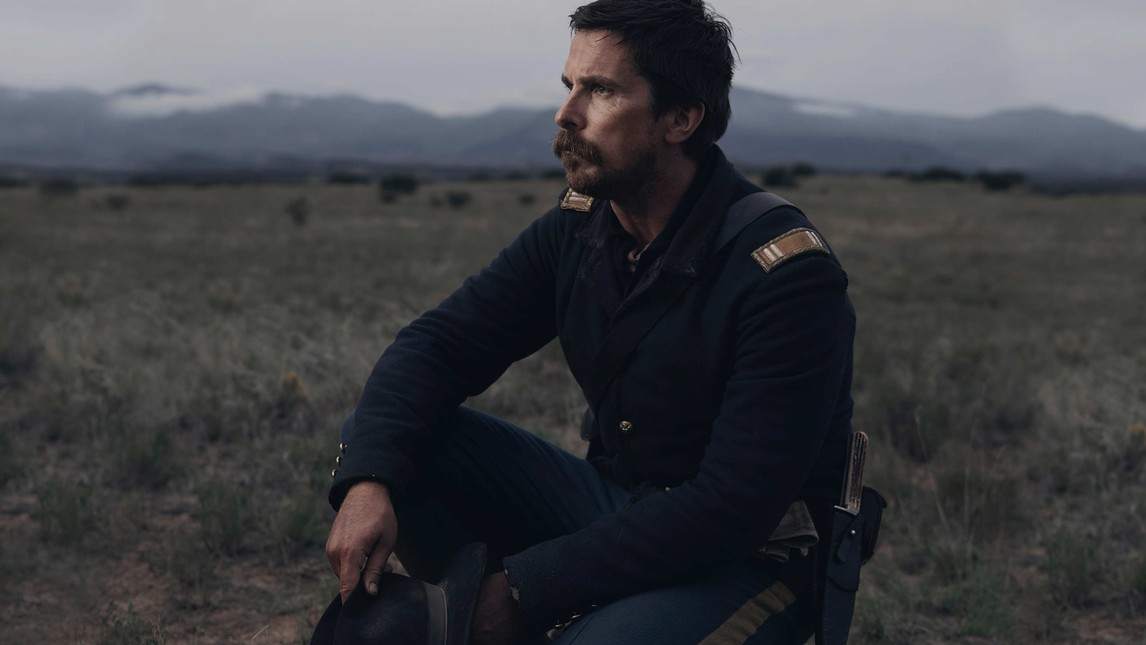 Christian Bale in Hostiles, un film di Scott Cooper...        </div>         <div class=