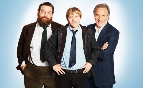 In foto, Nick Frost (Dr. Glennis), Rupert Grint (Daniel Glass) e Don Johnson (Kenny West) in Sick Note