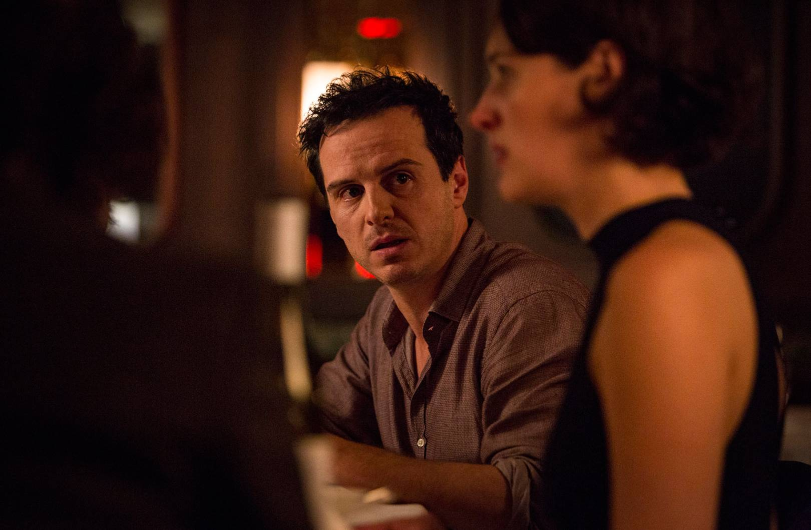 In foto, Phoebe Waller-Bridge e Andrew Scott in una scena della serie Fleabag