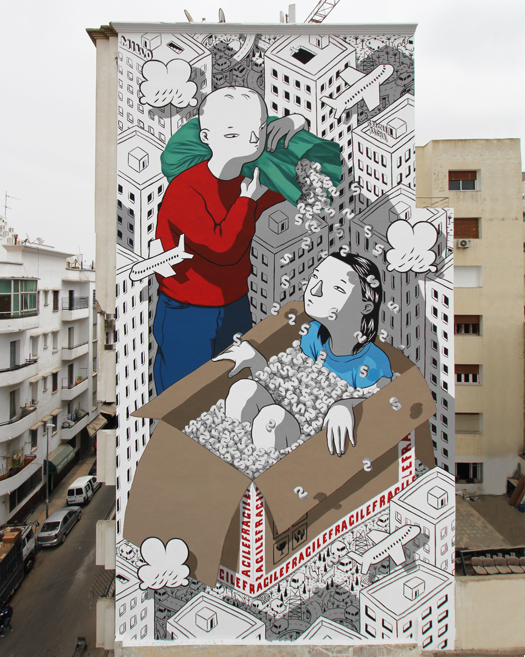 In foto, l'opera Handle with care (2019), di Millo, Casablanca